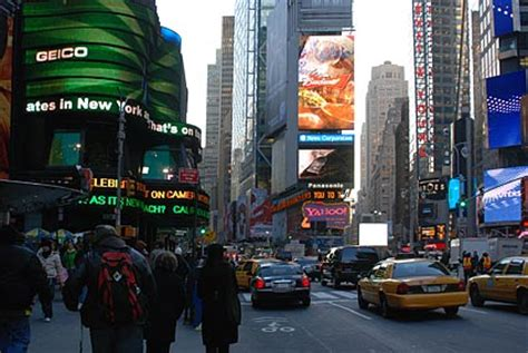 Times Square photos, Broadway and Seventh Avenue between