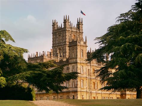 The Real-Life Downton Abbey Is on Airbnb, and You Can Eat